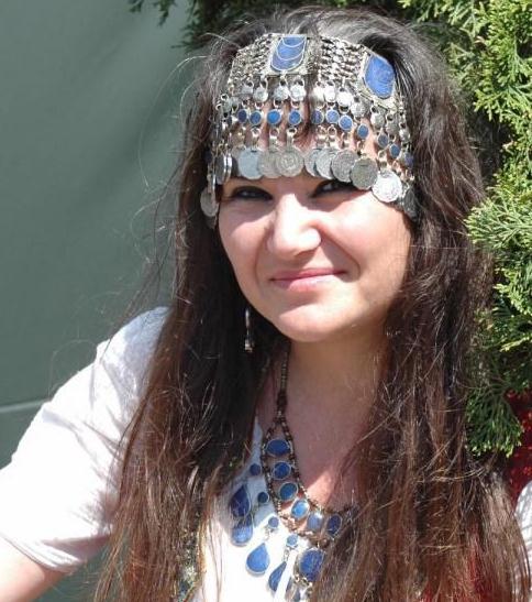Cécile ARNAUD - Co fondatrice de la sarl LES VOYAGEURS DU TEMPS avec Bernard BERTHEL dont elle est l'associée.