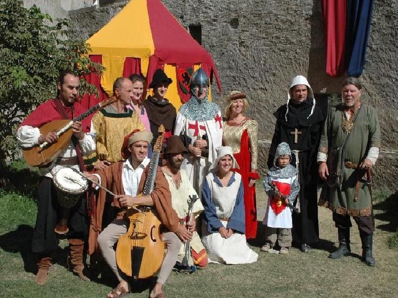 Animation fêtes médiévales et spectacles médiévaux : organisation fête historique moyen gae médiéval