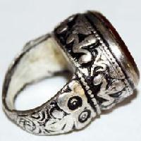 Boutique achat et vente de bagues et anneaux - bijoux médiévaux du moyen age médiéval, costumes, accessoires, décors ethniques, historique et archéologiques