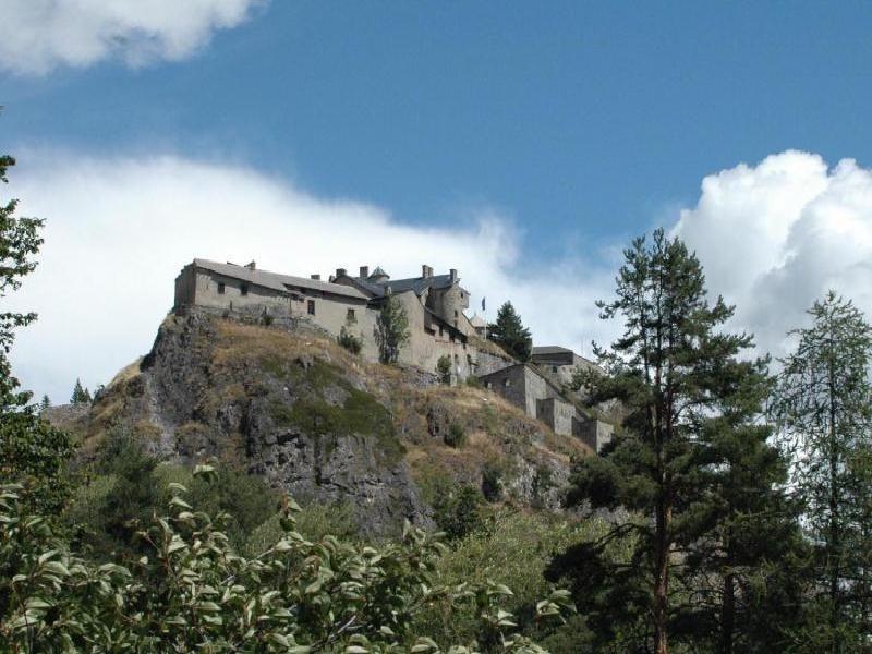 Photos image de fort Queyras à chateau ville vieille par Bernard Berthel et Cécile Arnaud - Les Voyageurs du temps